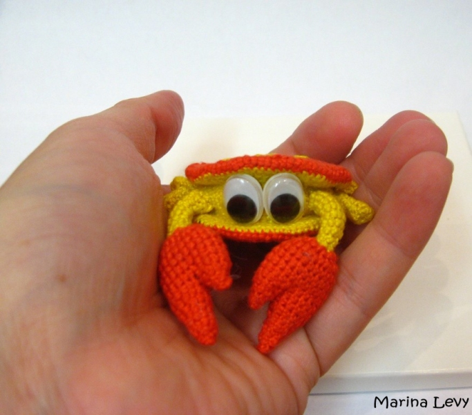 Amigurumi patterns go BIG (+ free pattern!) - Stitch This! The ... | 600x683